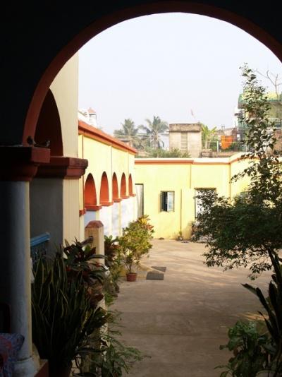 Это дворик Сагар Саикат