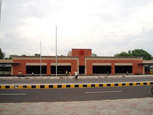 Здание станции Делийского Метро