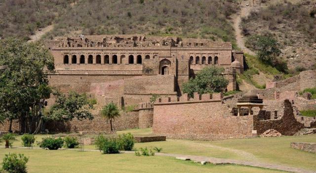 Заброшенный город Бхангарх