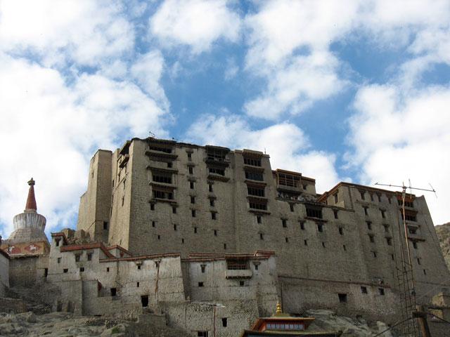 Дворец в Лехе