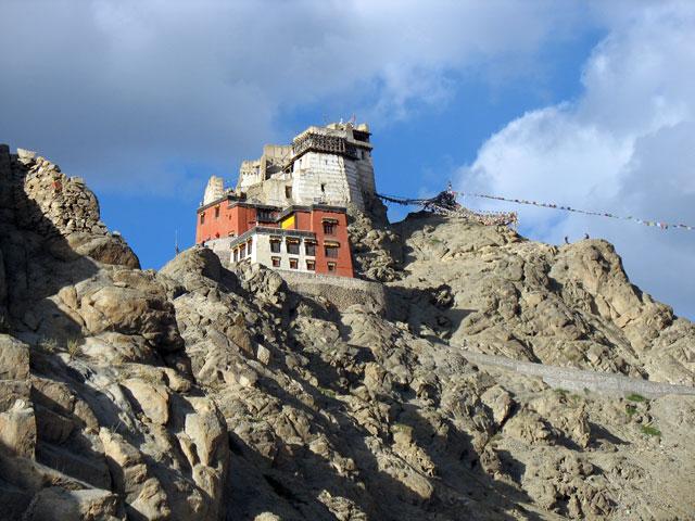 Монастырь Намгьял Цемо Гомпа