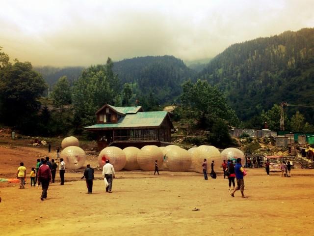 Зорбинг-шары в долине Соланг