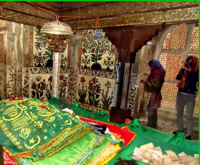 Могила святого Шейха Салима Чишти