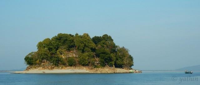 Павлиний остров вблизи Гувахати