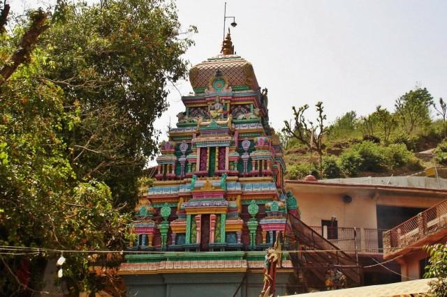 Храм Нилакантх Махадев