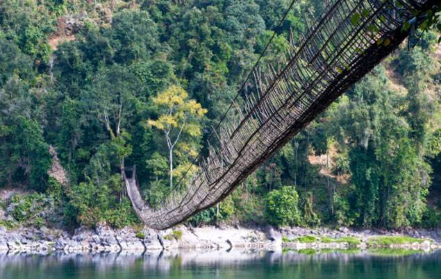 Мост вблизи Алонга
