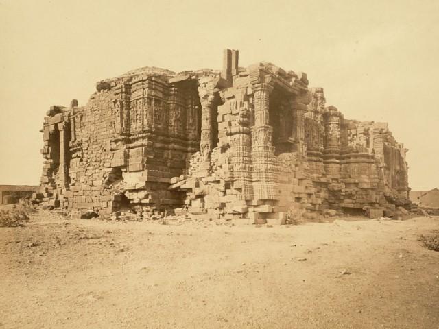 Развалины предыдущей версии храма в 1869 году