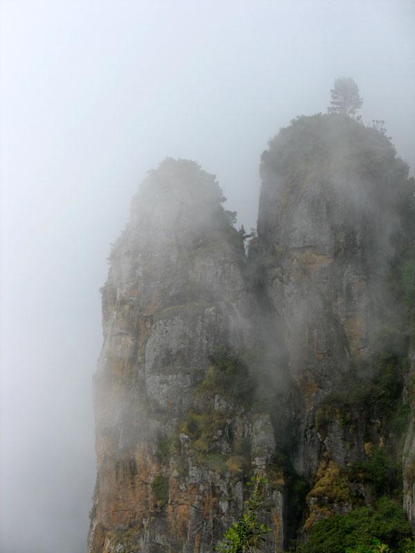 Скалы-колонны (Pillar Rocks)