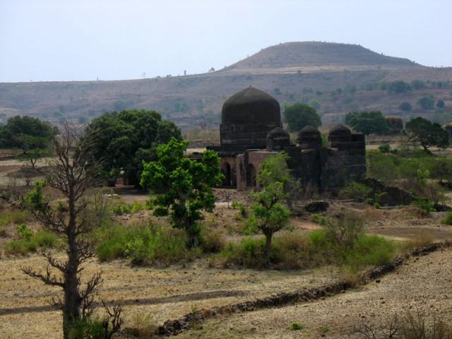 Манду. Вид с крыши мавзолея