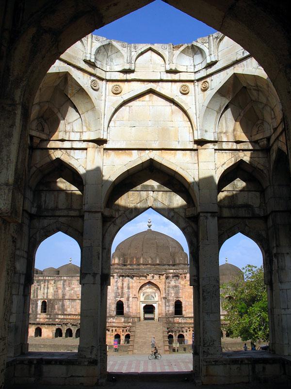Манду. Мечеть Джами Масджит. Гармония форм