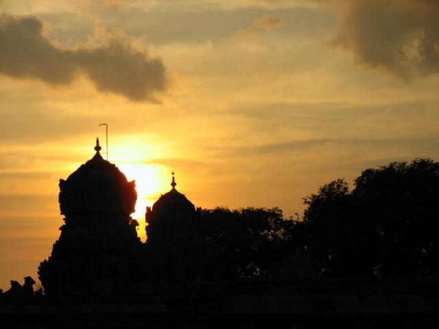 Храм Брихадишвара на закате