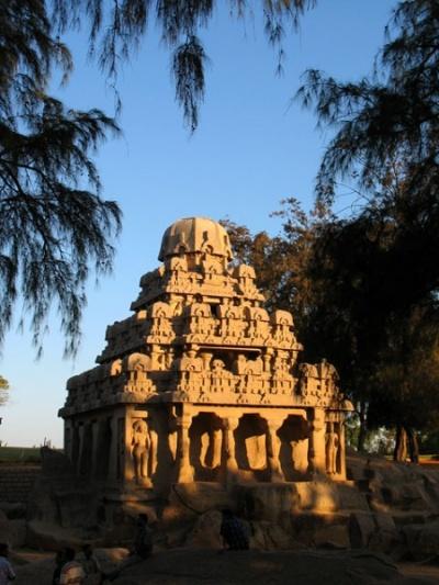 Один из древних храмов Мамалапурама