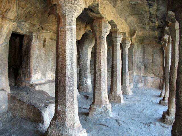Один из древних храмов в Мамалапураме