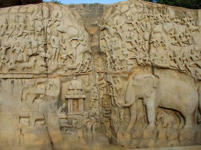 Знаменитый рельеф «Аскеза Арджуны»