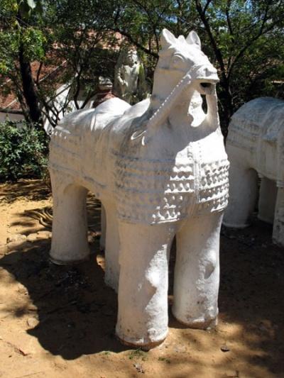 Странный конь. Дакшиначитра