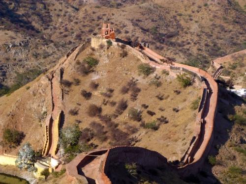 Крепость Джаигарх над Амбером