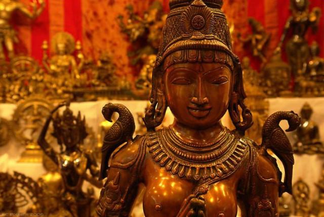 В индийской сувенирной лавке