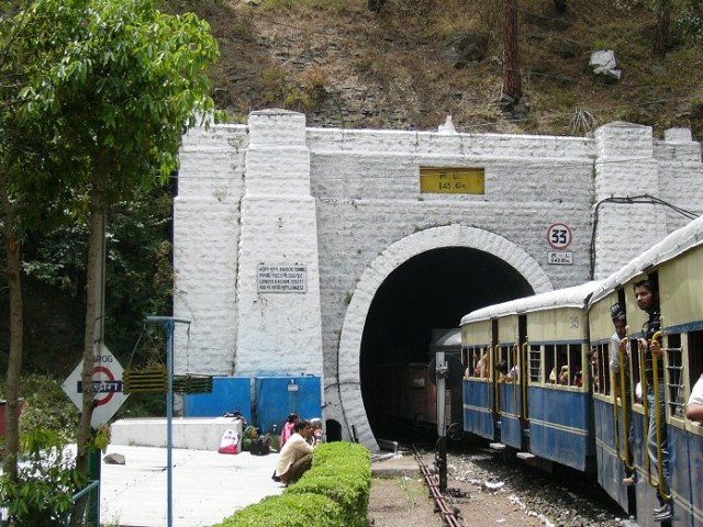 Barog Tunnel (1143.61 m)