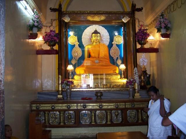 Бодхгая Статуя Будды в Главном Храме