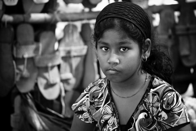 девочка на рынке