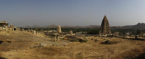 Панорама с видом на храм Вирупакши