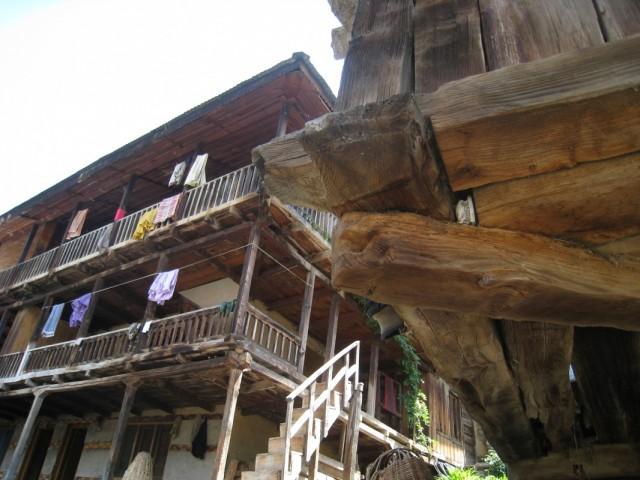 вашишт, местная архитектура