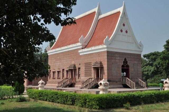 Сарнатх. Буддийский храм