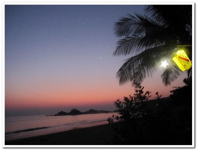 А после за околицей так приятно было любоваться закатом