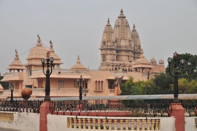 Комплекс храмов Chattarpur Mandir