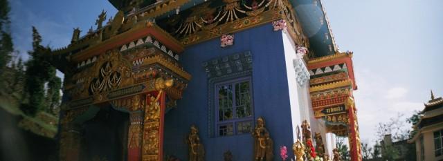 rewalsar, colorful temple