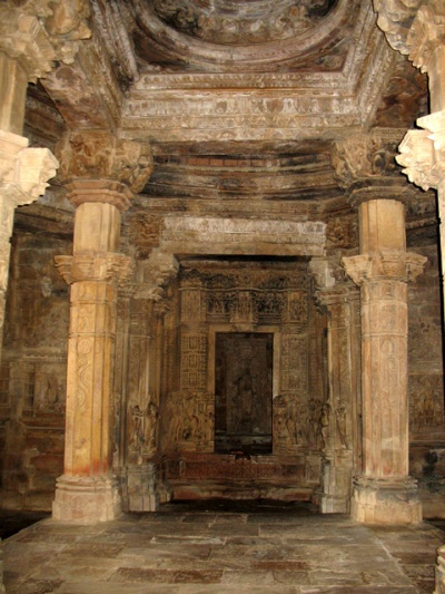Кхаджурао: Камасутра в камне