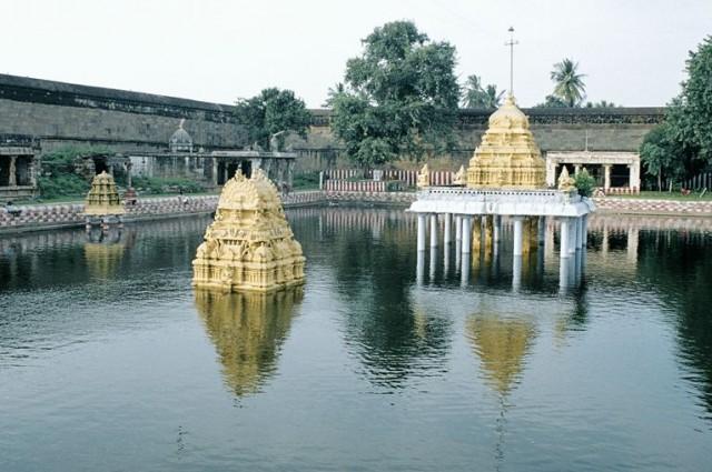 Тот же храм
