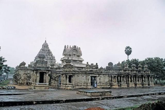 Один из самых старых храмов - по словам местных ему более 3000 лет