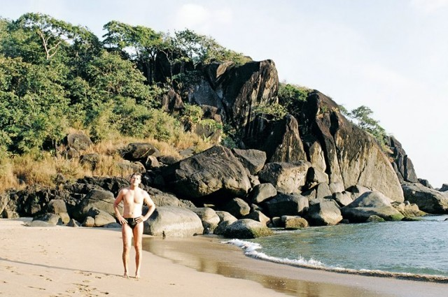 Если бы не был обнаружен абсолютно пустой пляж )