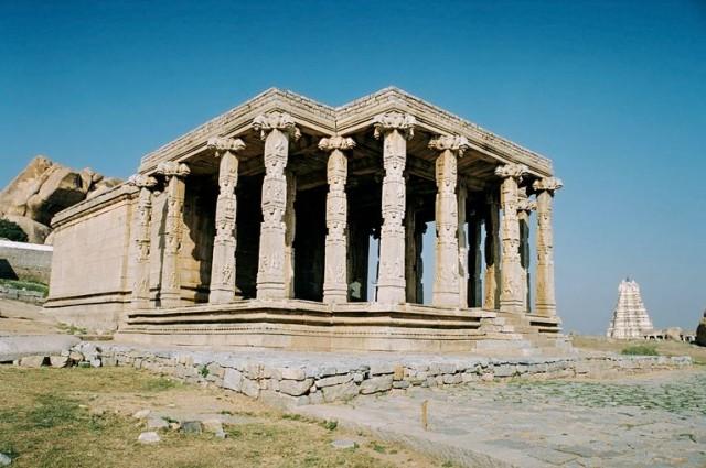 Чем то напоминает Грецию.