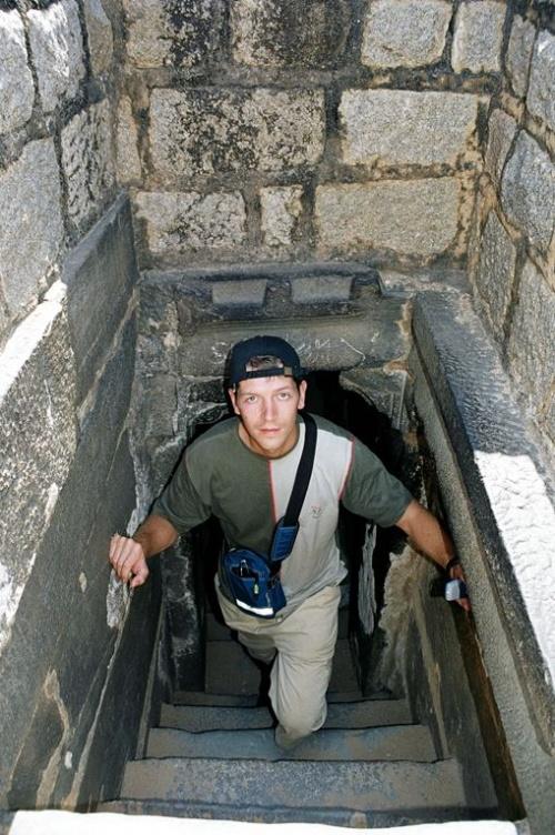 Можно прогулятся по подземельям