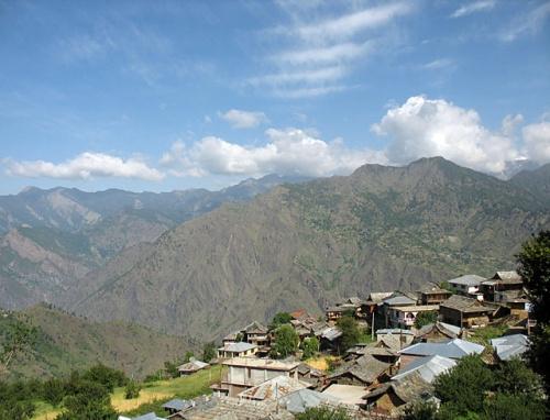 Деревня Рангори, недалеко от Сарана.