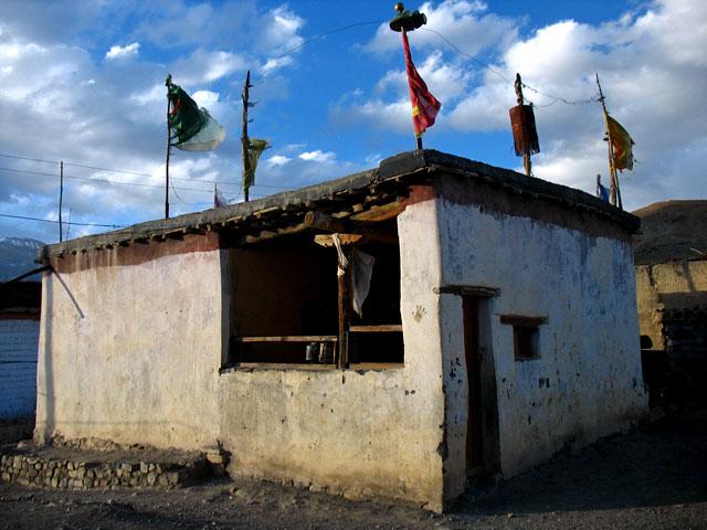 Заброшенный буддистский храм