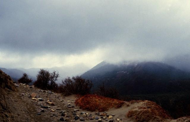 Начало муссона недалеко от Тинигаона