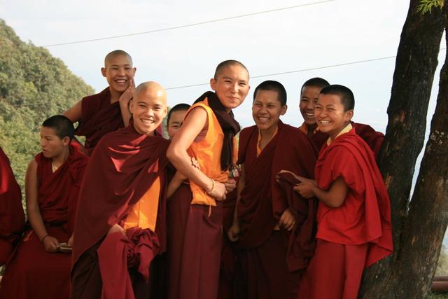 Монахини монастыря Наго Гомпа