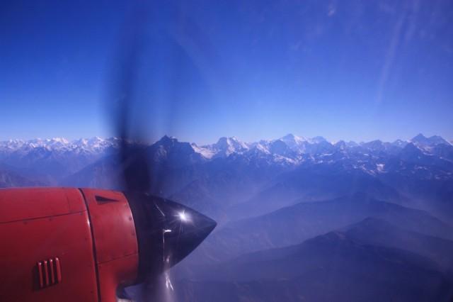 Эверест справа