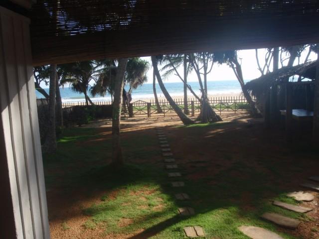 Вид на море из дома в Хиккадува