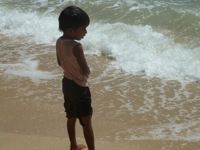 ребятенок на пляже